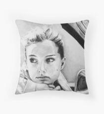 Natalie Portman fanart Throw Pillow