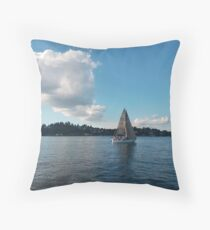 lake effect v Throw Pillow