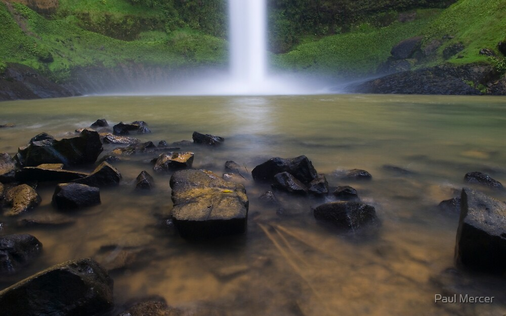 Bridal Veil falls, Waikato, New Zealand by Paul Mercer