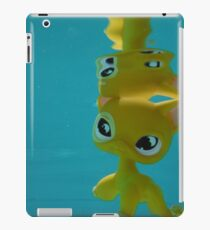 Littlest Pet Shop Cat in a POOL iPad Case/Skin