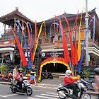 Eine Straßenszene in Bali von Margaret Stevens