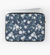 Marine und weißes Kirschblütenmuster Laptoptasche