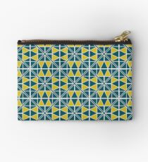 Emerald Glow Pattern Zipper Pouch