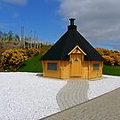Strange little hut by Tom Gomez