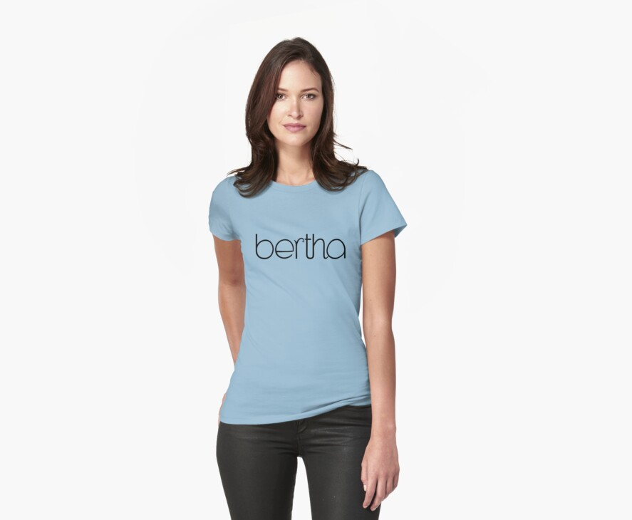 Bertha black T-shirt by Mariana Musa