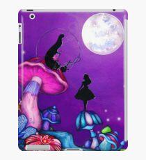 Alice in Wonderland and Caterpillar iPad-Hülle & Klebefolie