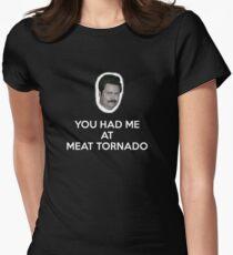 Fleisch Tornado Tailliertes T-Shirt für Frauen