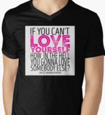 """Camiseta para hombre de cuello en v RuPaul's Drag Race - """"Si no puedes amarte ..."""" Cita"""