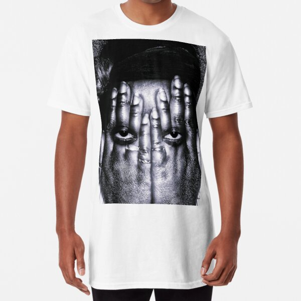 looking and seeing aint the same thing Long T-Shirt