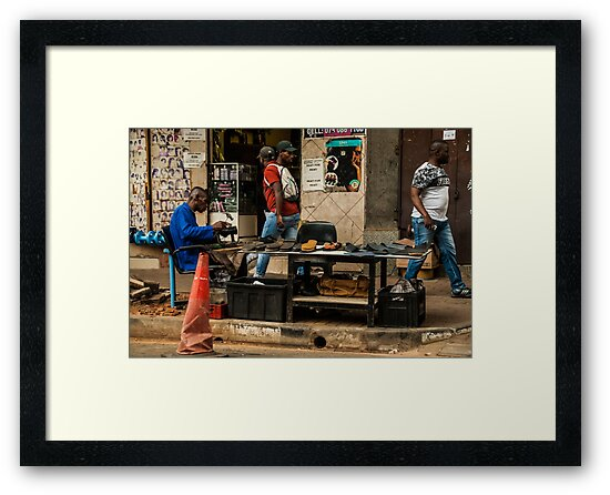 Side walk Shoe maker by vrphotographysa