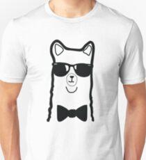 Hipster Alpaca – Face Close Up - Cute Kids Cartoon Character Slim Fit T-Shirt