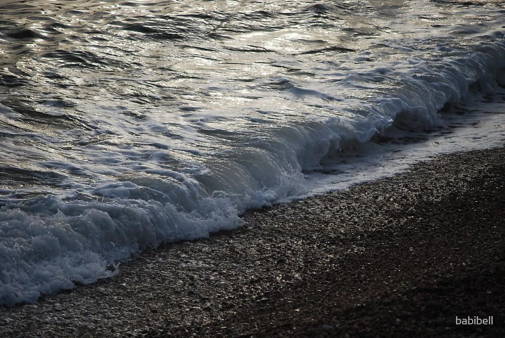 Breaking Waves by babibell