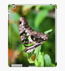 Tailed jay iPad Case/Skin
