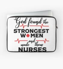 God Found The Strongest Women And Made Them Nurses T-shirt Laptop Sleeve