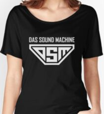 Pitch Perfect 2 - DAS SOUND MACHINE Women's Relaxed Fit T-Shirt