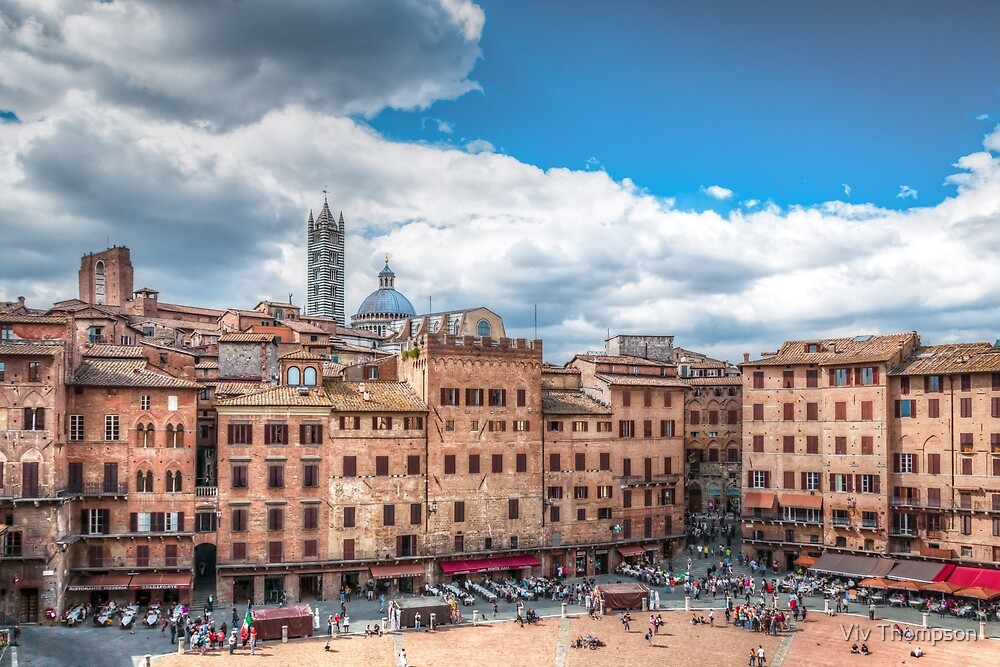 A Day in Sienna by Viv Thompson