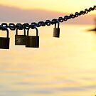 Love chain by jogogou