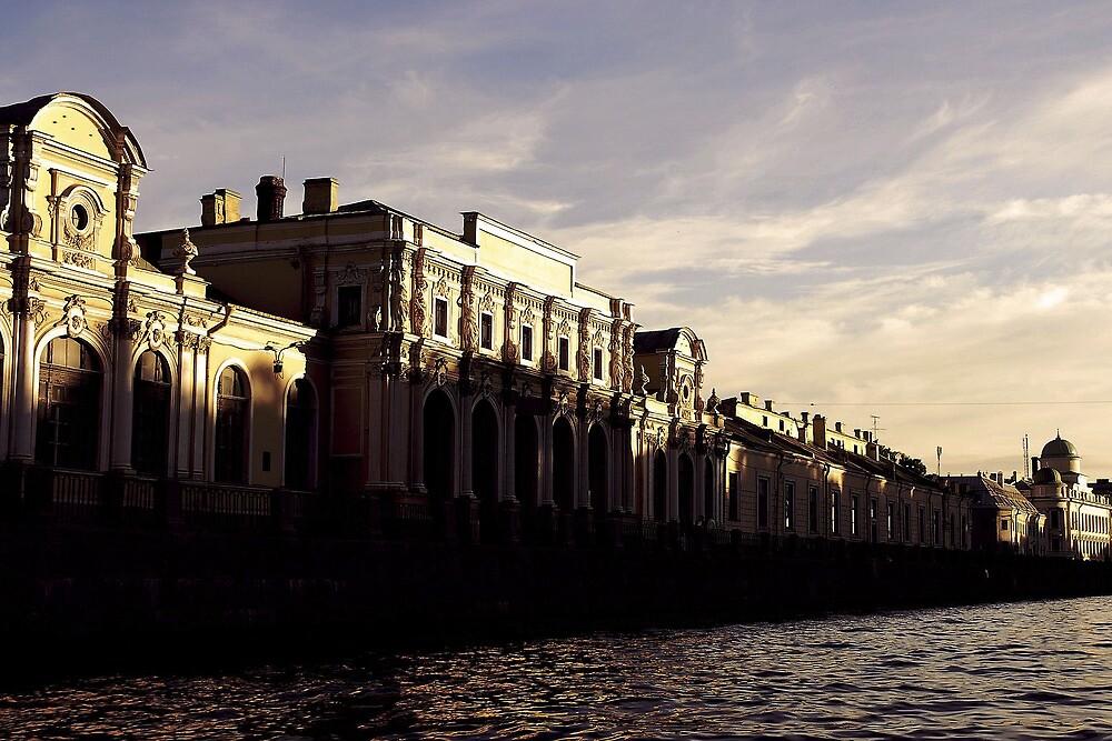 St Petersburg by Darya Deriglazova