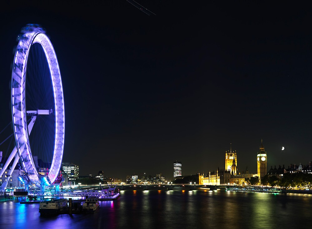 The London Eye in motion at night. by largeformat
