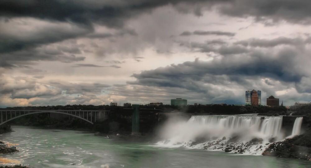 Niagara falls (American side) by Andrea Rapisarda