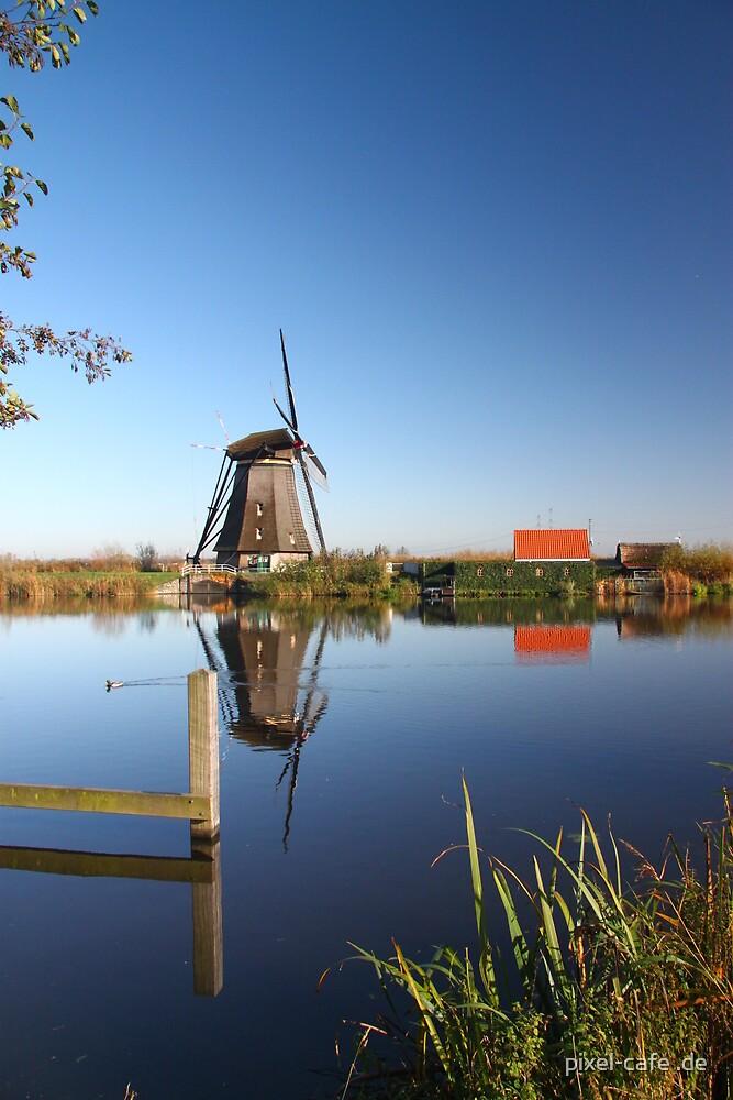 Mill in Kinderdijk near Rotterdam, NL by pixel-cafe .de