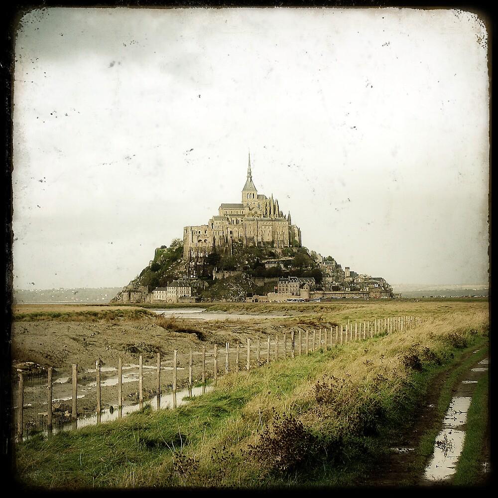 Le Mont Saint-Michel by Marc Loret