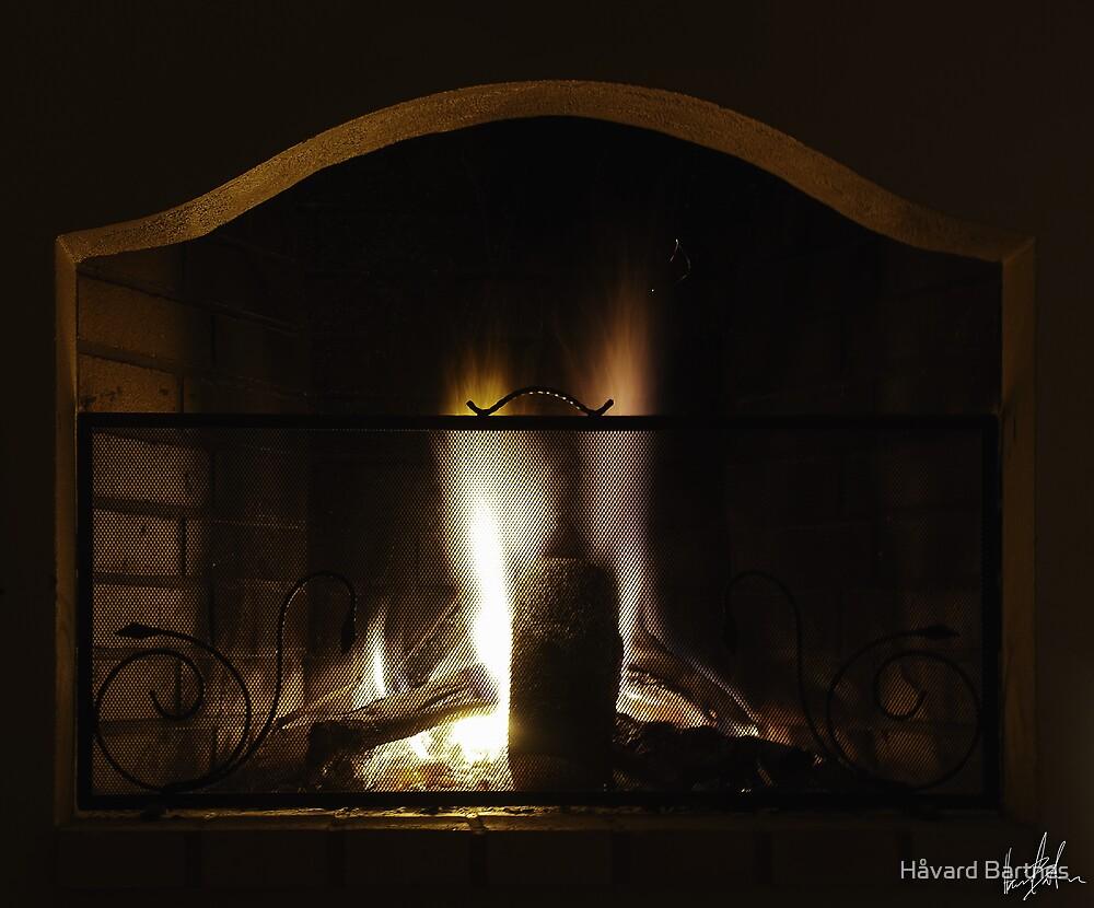 My parents' fireplace by Håvard Bartnes