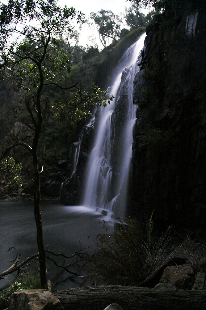 Mackenzie Falls by Moonlight, Side View by pablosvista2
