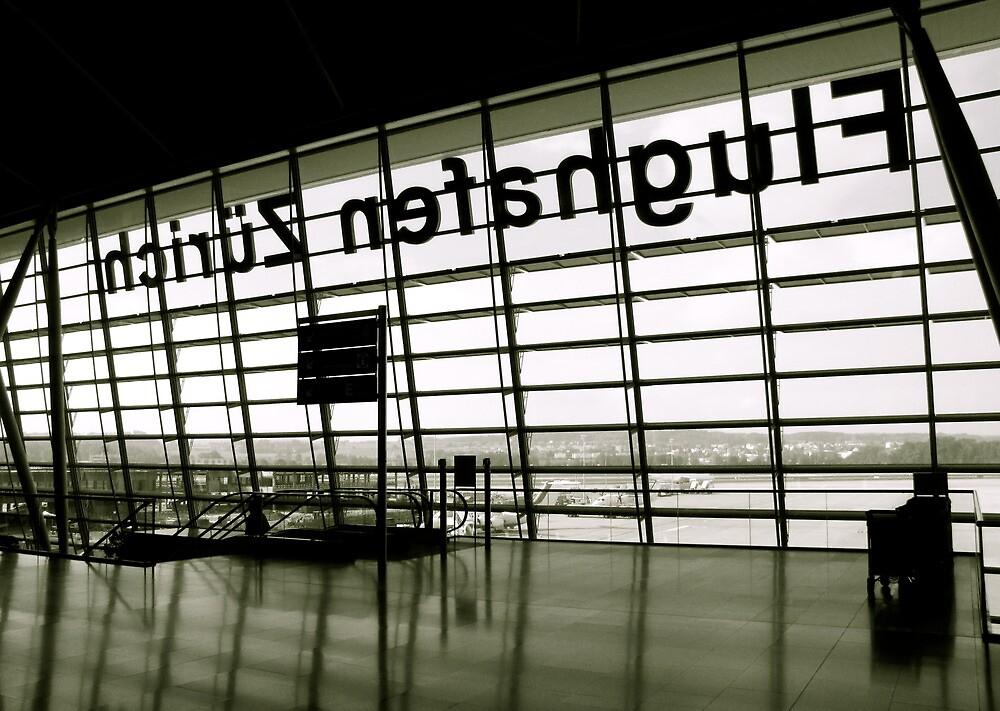 Zürich Flughafen by Christian Langenegger
