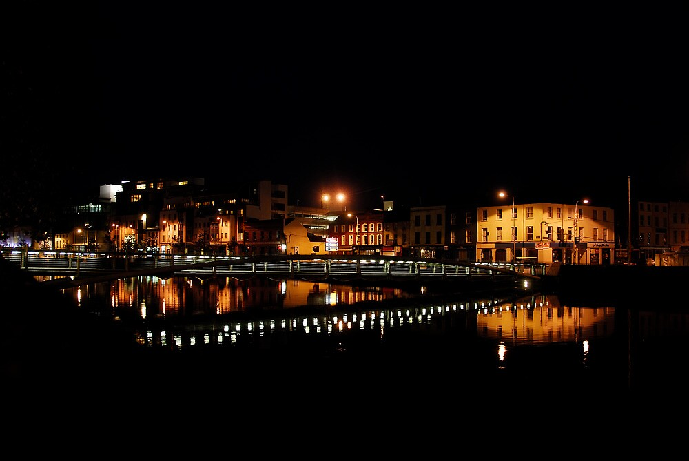 Night stroll by Euphemia