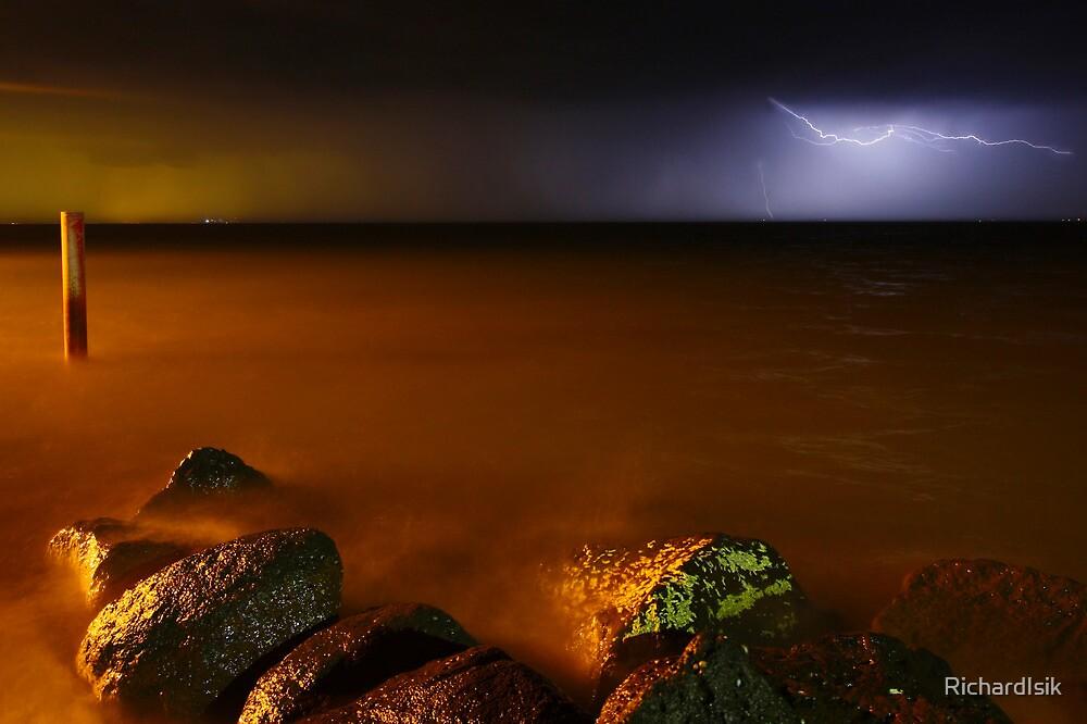Lightning Strike 2 by RichardIsik