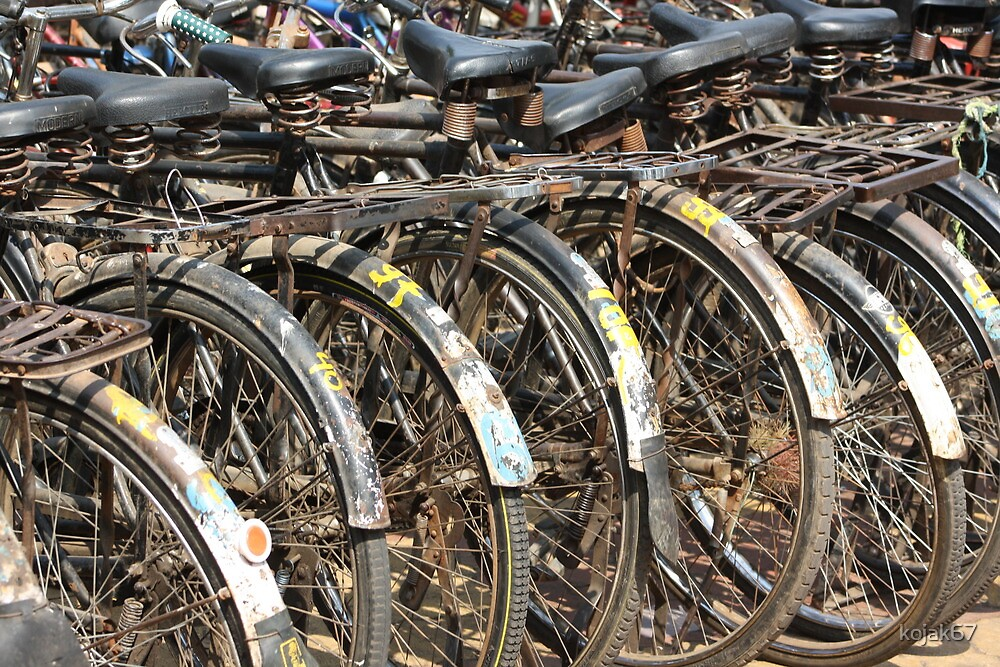 Commuter Bicycles, Mumbai, India by kojak67