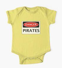 DANGER PIRATES FAKE FUNNY SAFETY SIGN SIGNAGE Kids Clothes
