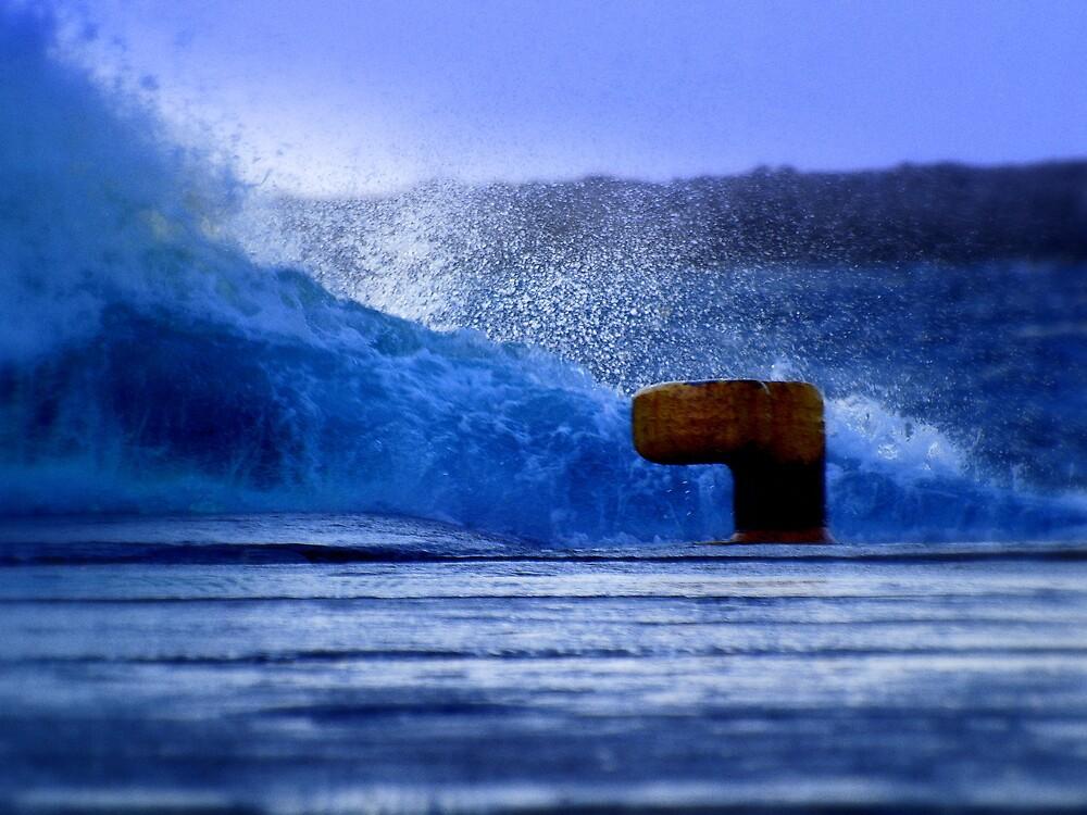 Blue sea by gkaramit