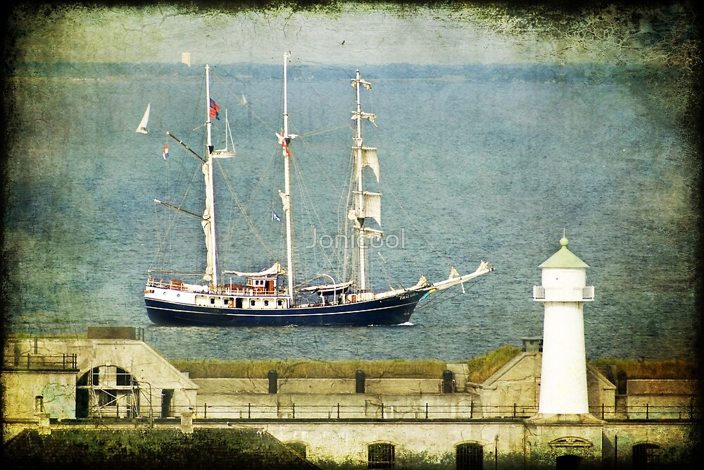 Middelgrundsfortet & Ship by Jonicool