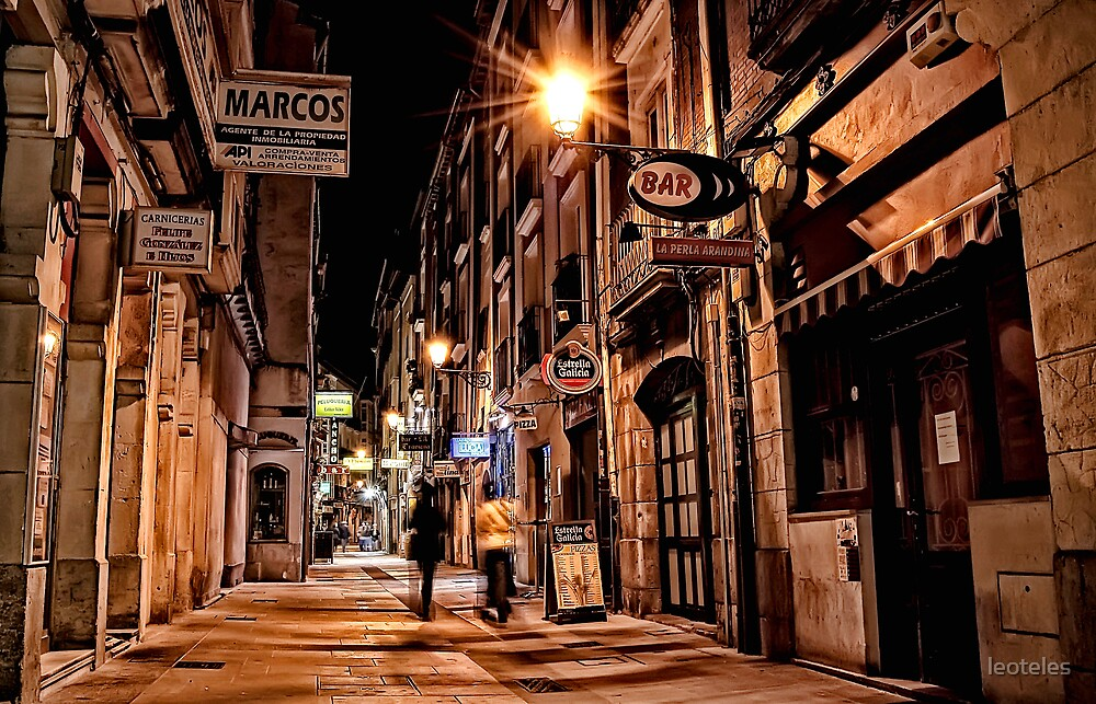 Narrow Street by leoteles