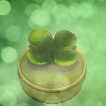 Green Clover by DeniseAbe