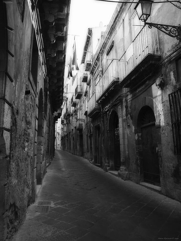 Passeggiando per Ortigia by Andrea Rapisarda
