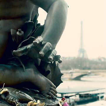 Statue and padlock by jsebouvi