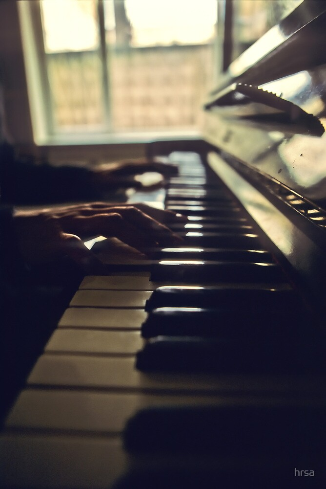 Piano by hrsa