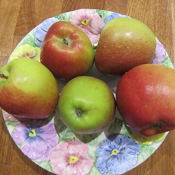 Apples On A Plate by lezvee