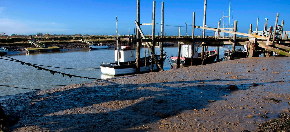 a quiet harbour by Nippy