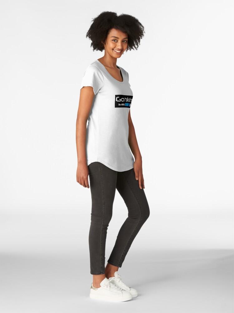 Vista alternativa de Camiseta premium de cuello ancho Excursionismo