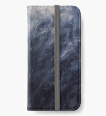 Blaue Wolken, blauer Mond iPhone Flip-Case/Hülle/Klebefolie