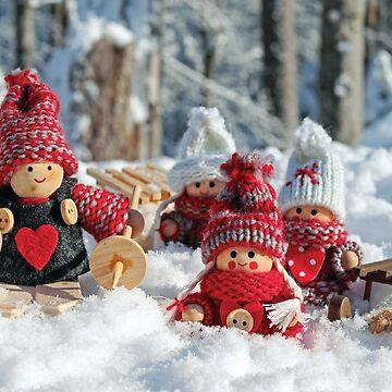 Winter Figurines by DesignsAndStuff