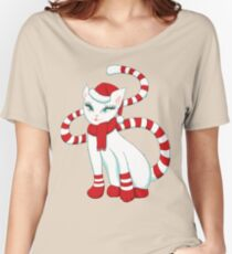 White cat in Christmas mood Women's Relaxed Fit T-Shirt