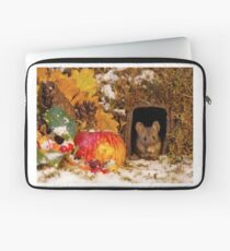 wild mouse feeling the cold  Laptop Sleeve