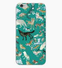 Wolves of the World (Green pattern) Vinilo o funda para iPhone