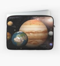 Neighboring Planets - Macrocosmos Laptop Sleeve
