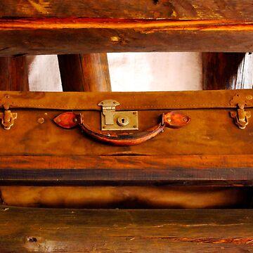 Hemingway suitcase by BrunoBeach